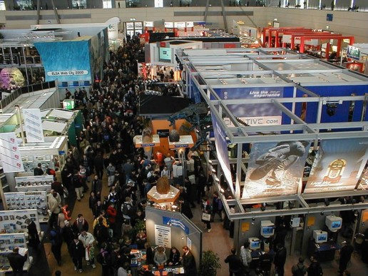trade show exhibitors and crowd